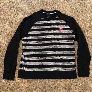 Women's Xl Nike sweatshirt black and white
